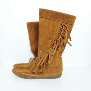 Minnetonka Studded Brown Camel Fringe Calf Boots